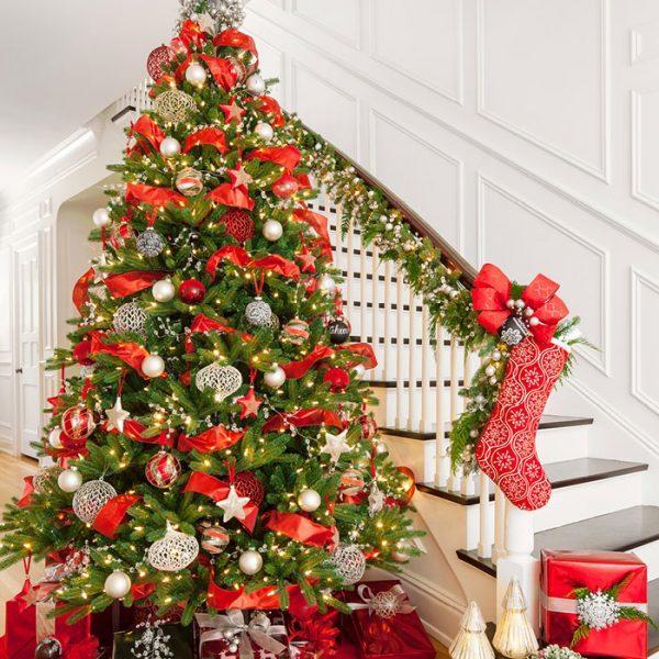 Christmas Tree Decorating: Unusual Ideas