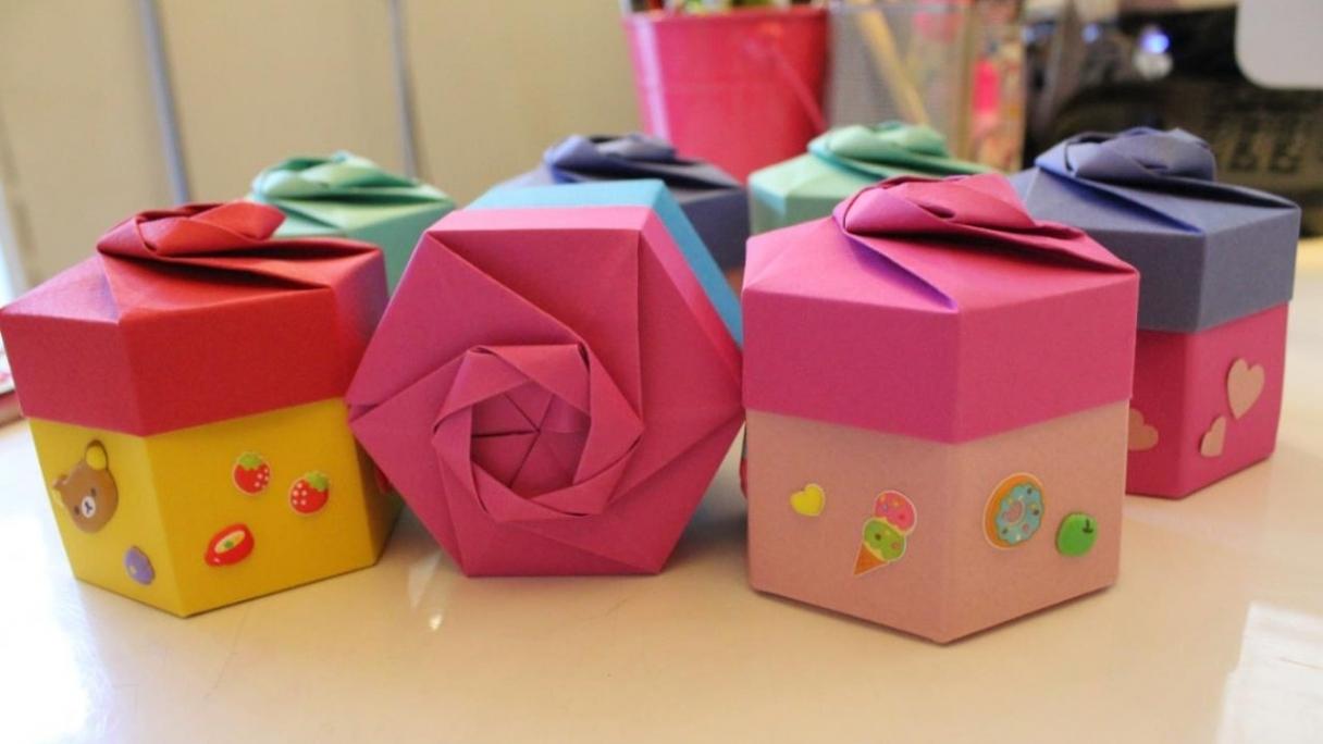 Folding an Origami Gift Box Like a Pro: Easy Tutorial   ThatSweetGift