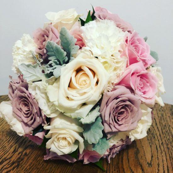 pastel and velvet wedding bouquet