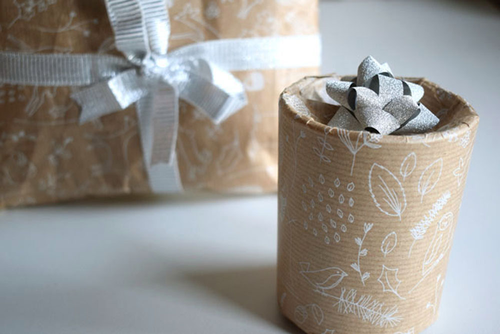 how to gift wrap a circular object