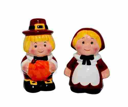 Thankful Pilgrim Couple Salt and Pepper Shaker Set