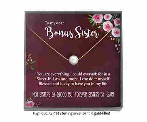 Bonus Sister – Single Pearl Necklace