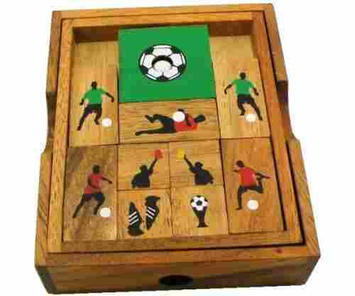 Soccer Field – Wooden Puzzle Brain Teaser
