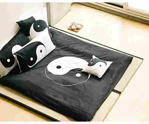 Full Queen Black and White 3-Piece Yin and Yang Duvet Set
