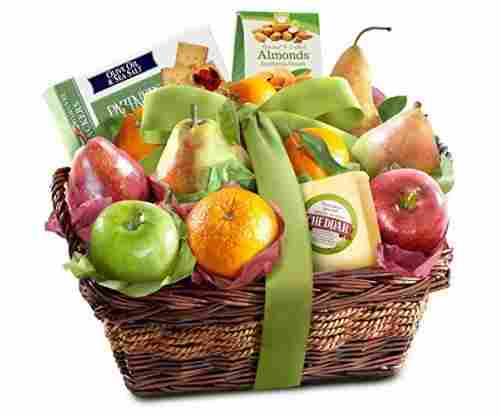 Cheese and Nuts Delight Fruit Basket For Gifting