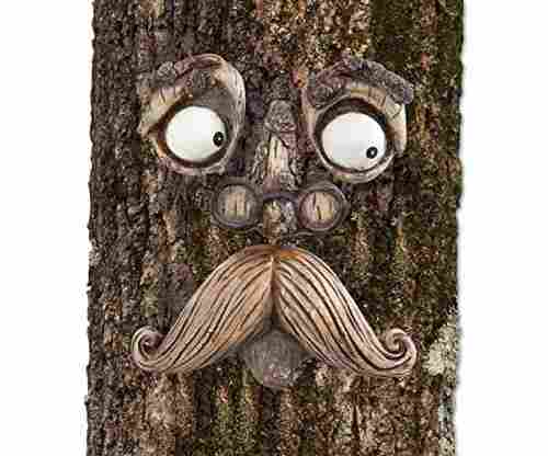 Bits and Pieces-Old Man Tree Hugger – Garden Peeker Yard Art