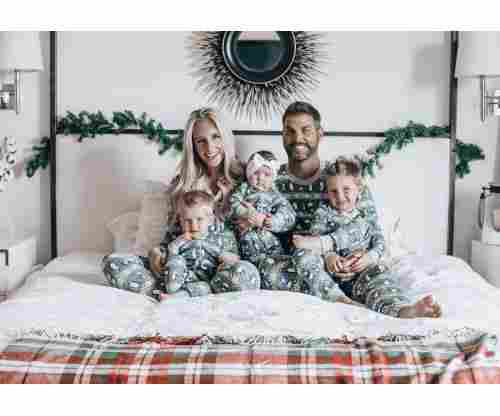 Best Matching Family Christmas Pajamas & Sets to Die For!