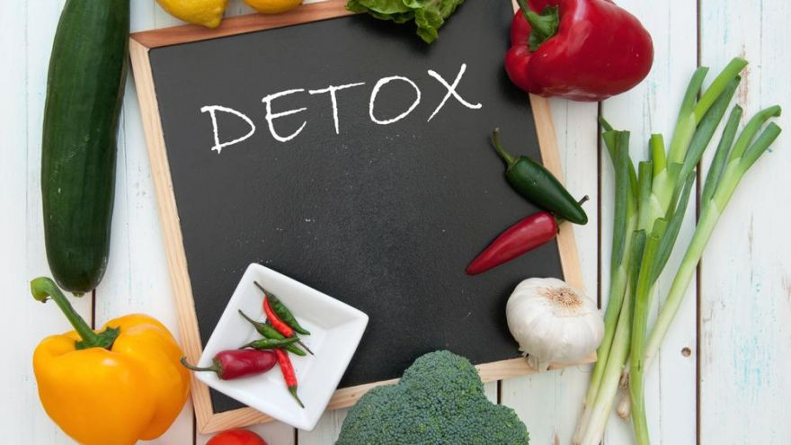 After Christmas Detox Tips That Won't Have You Starving