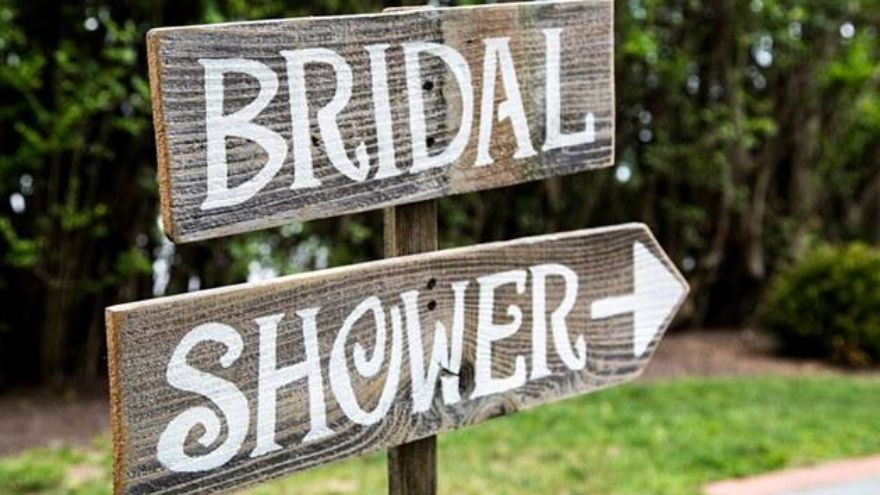 the bridal shower etiquette tips nobody told you about