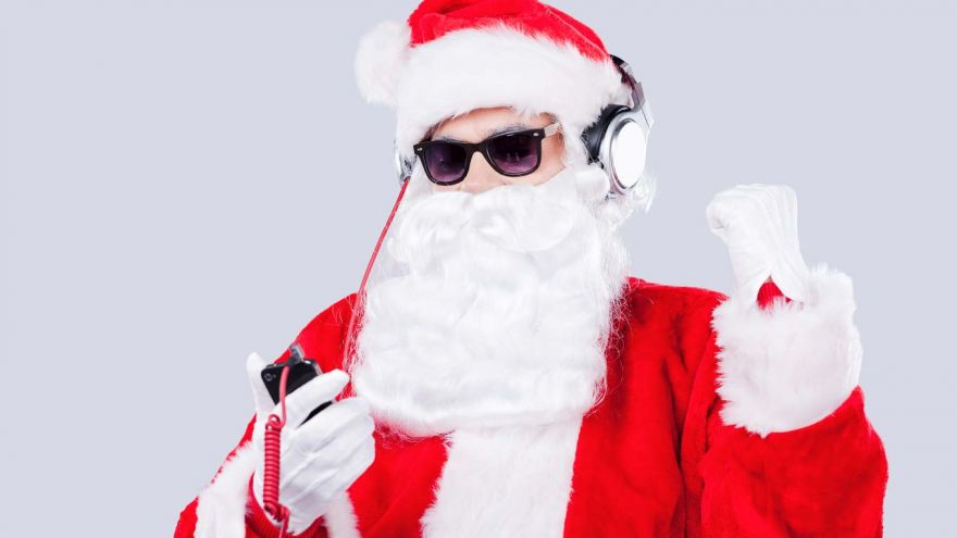 6 Free Christmas Music Channels You Can Play Online!