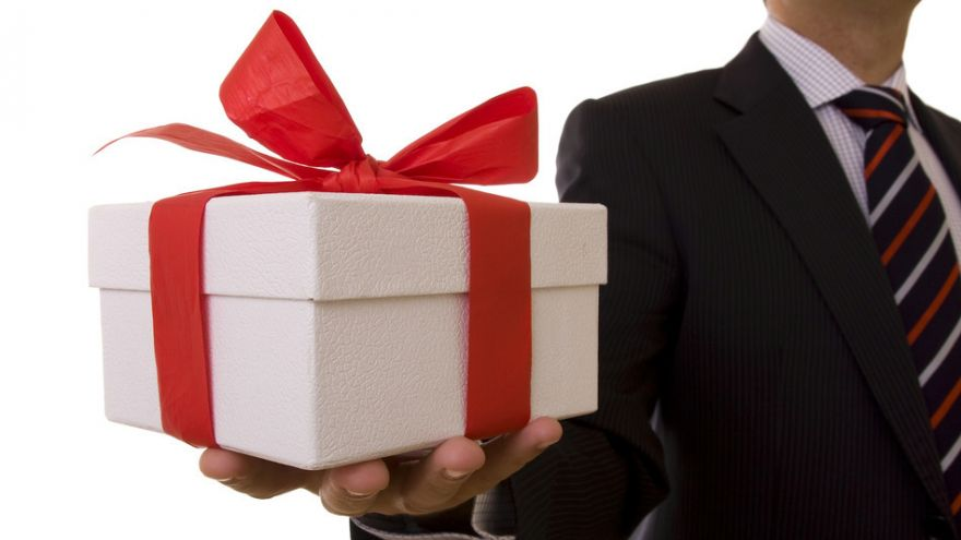 Is It Appropriate to Accept Gifts from Your Boss?