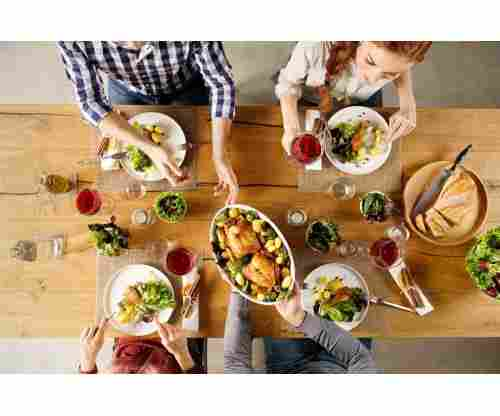Dining Etiquette: The 5 Most Horrifying Things People Often Do