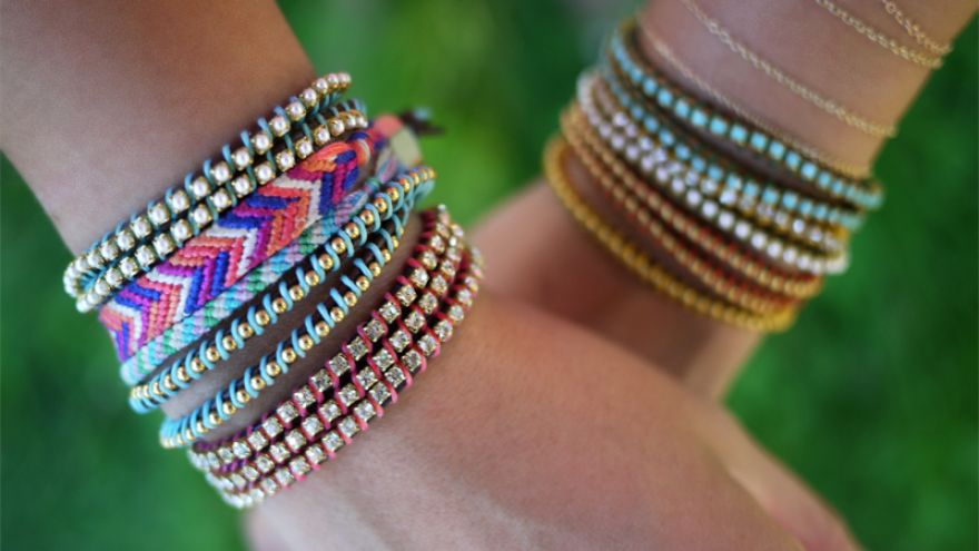 How to Make a Friendship Bracelet to Gift Your Bestie!
