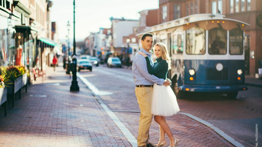 Engagement Photo Outfits Tips and Ideas!