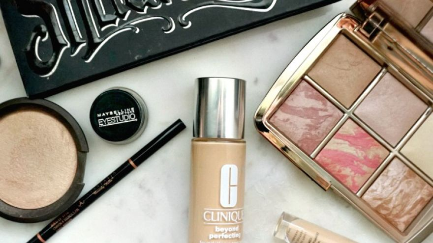 The Only 4 Makeup Products You'll Ever Need in Your Bag