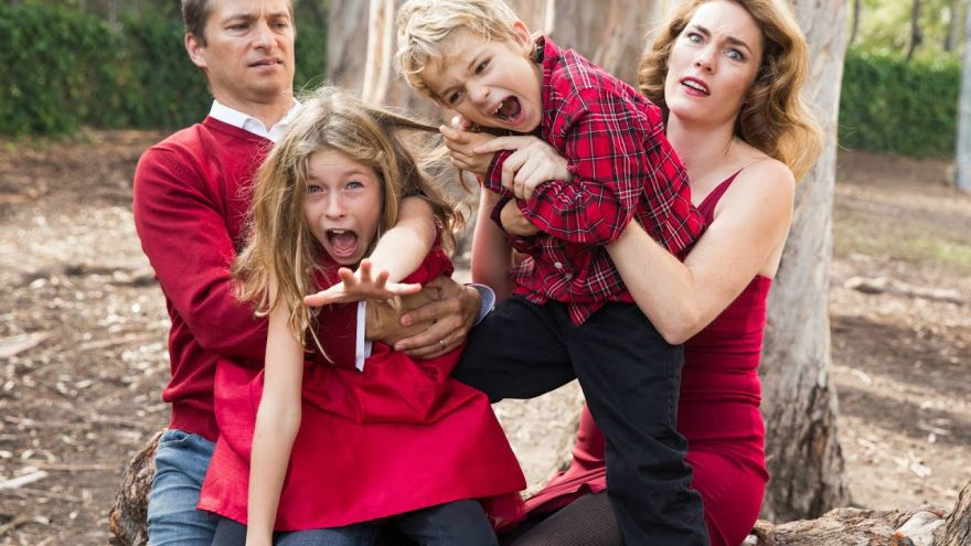 Fun Family Photo Ideas to Take Over the Holidays!