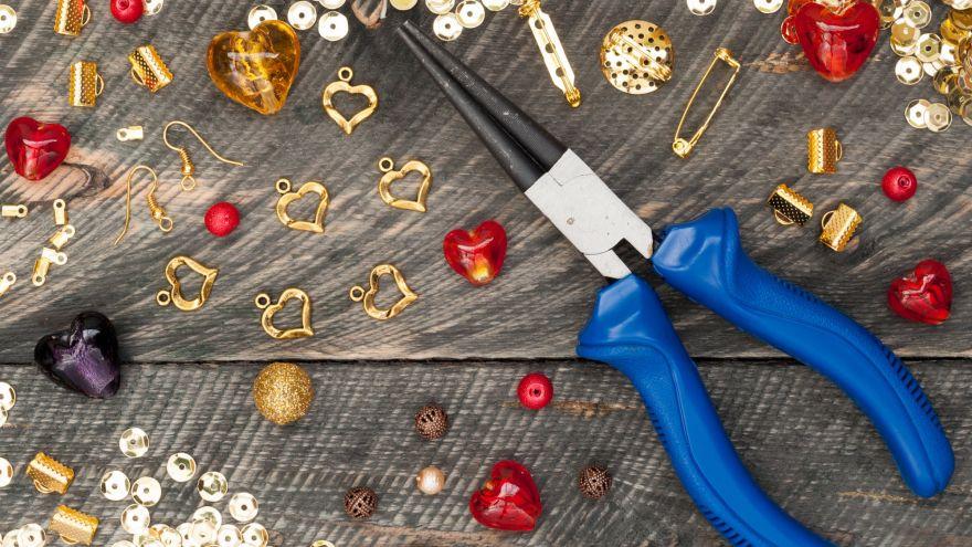 10 Handmade Jewelry Gift Ideas