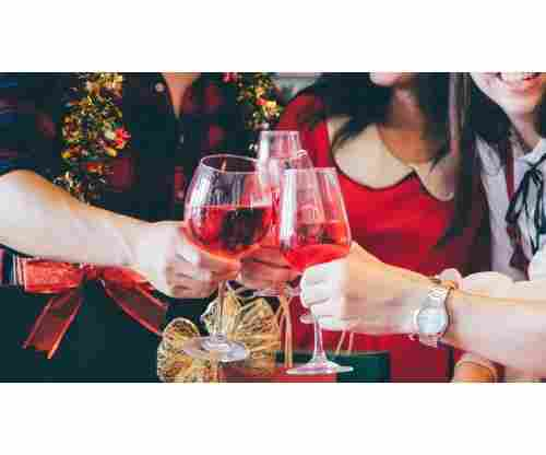 5 Gift Ideas to Bring to a Holiday Party!