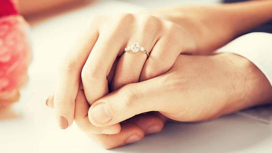How Much to Spend on an Engagement Ring? A Short Guide to Engagement Ring Shopping