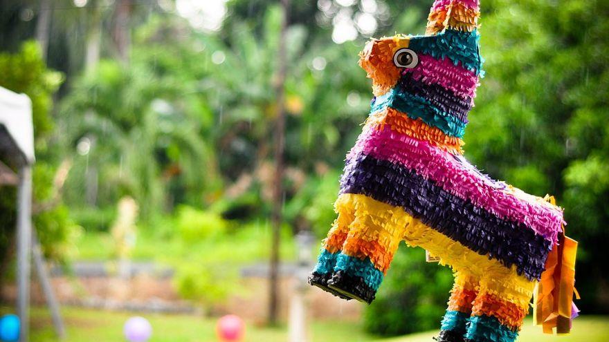 How to Make a Piñata: Super Quick Tutorial!
