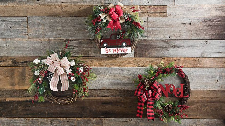 How to Make a Christmas Wreath: 3 Quick Tutorials