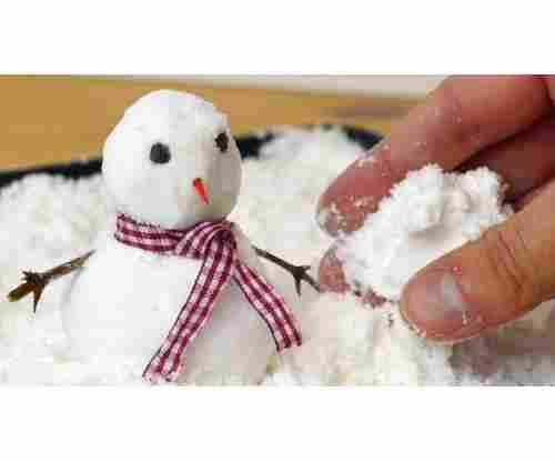How to Make Fake Snow to Decorate your House this Holiday Season