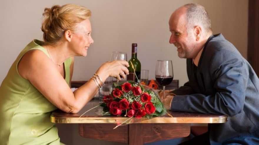 Mature Dating: Where to Start and are Dating Apps Useful?