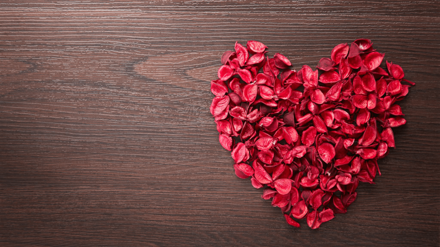 6 Valentine's Day Poems to Share Along With a Gift