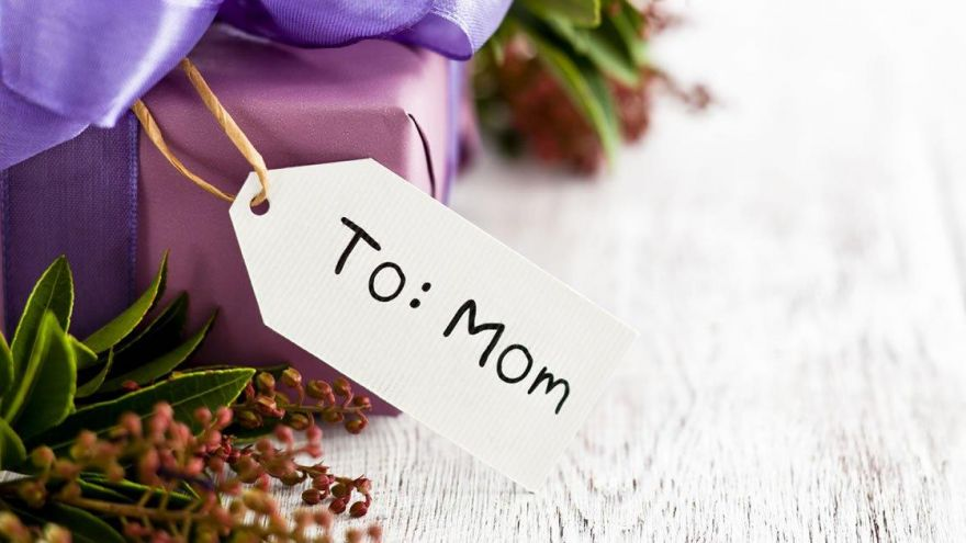 Is Mother's Day Really a Bigger Deal Than Father's Day?